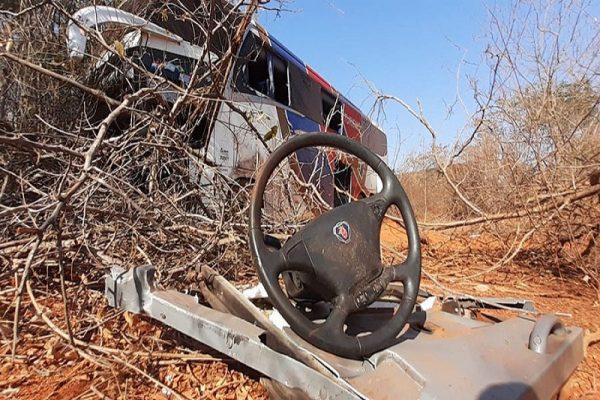 29-acidente-chapada-onibus